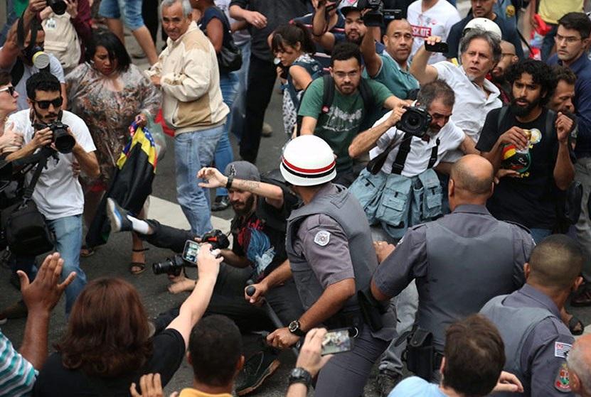 A pena será aumentada em caso de emprego de violência ou vias de fato que se considerarem aviltantes - Foto: Paulo Pinto/AGPT