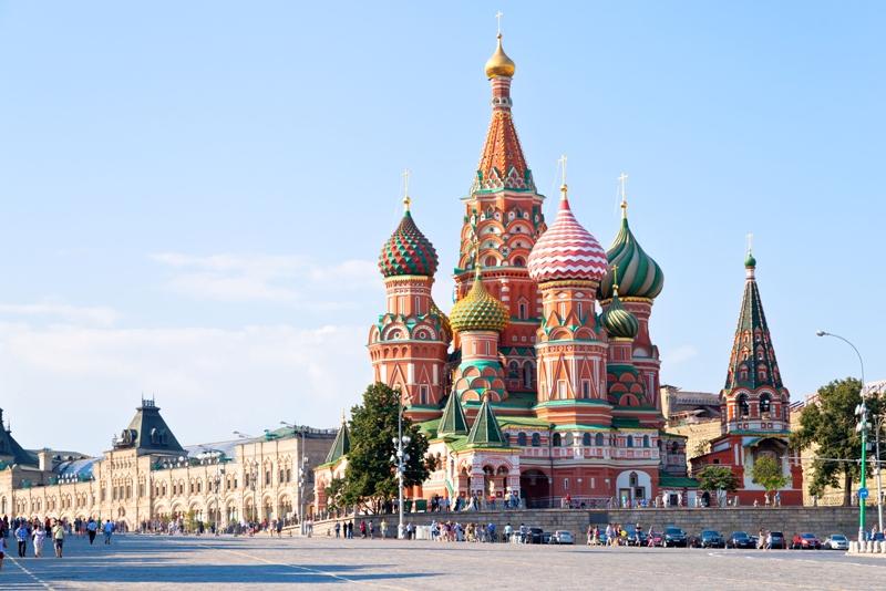 A Catedral Ortodoxa de São Basílio foi construída no período de 1555 a 1561 e fica na Praça Vermelha, integrando o complexo denominado Kremlin / GB Imagem