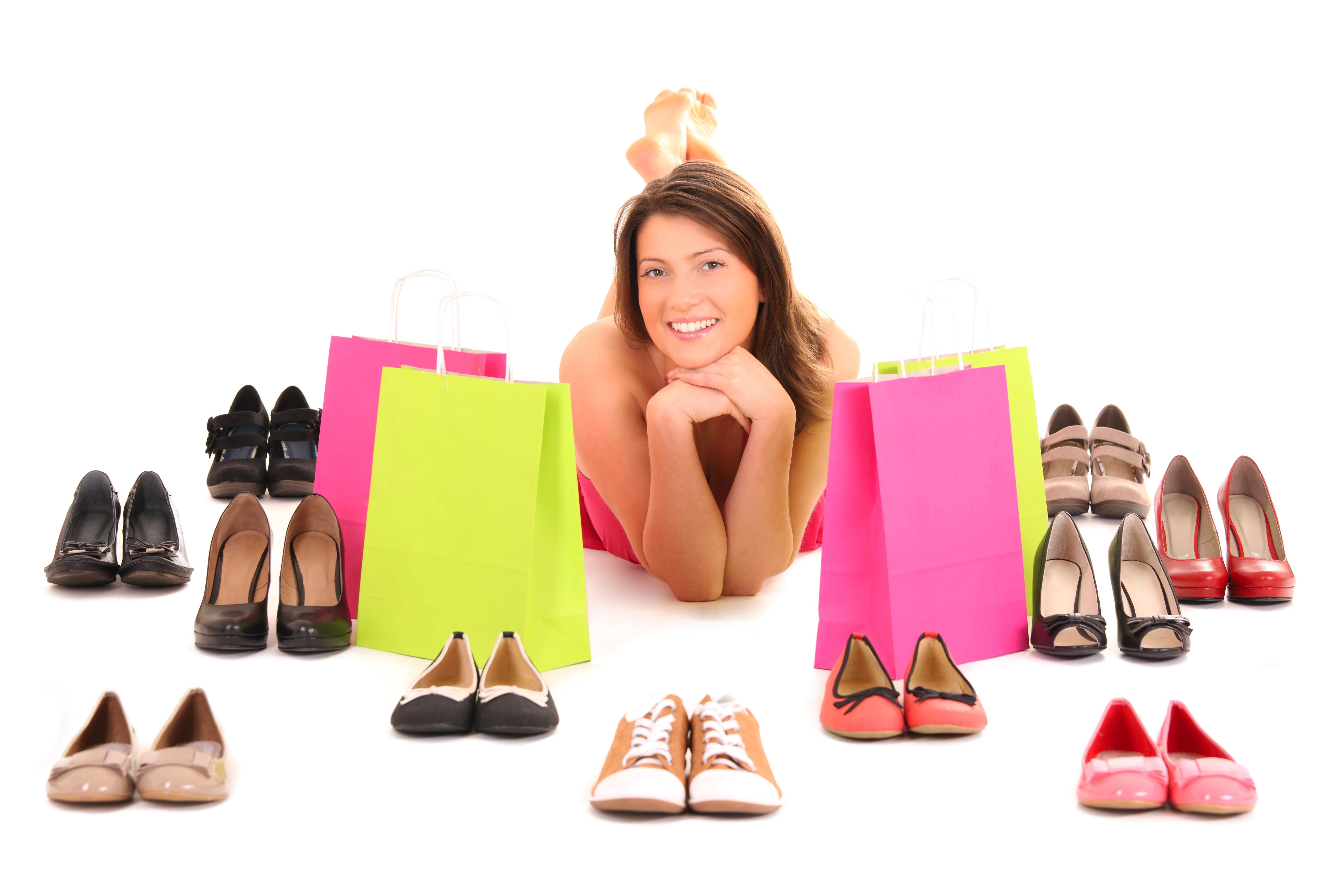 Antes de comprar um par de sapatos novos, avalie qual a sua real necessidade e a finalidade da compra. E segure a tentação de comprar mais de um porque o preço está bom! / GB Imagem