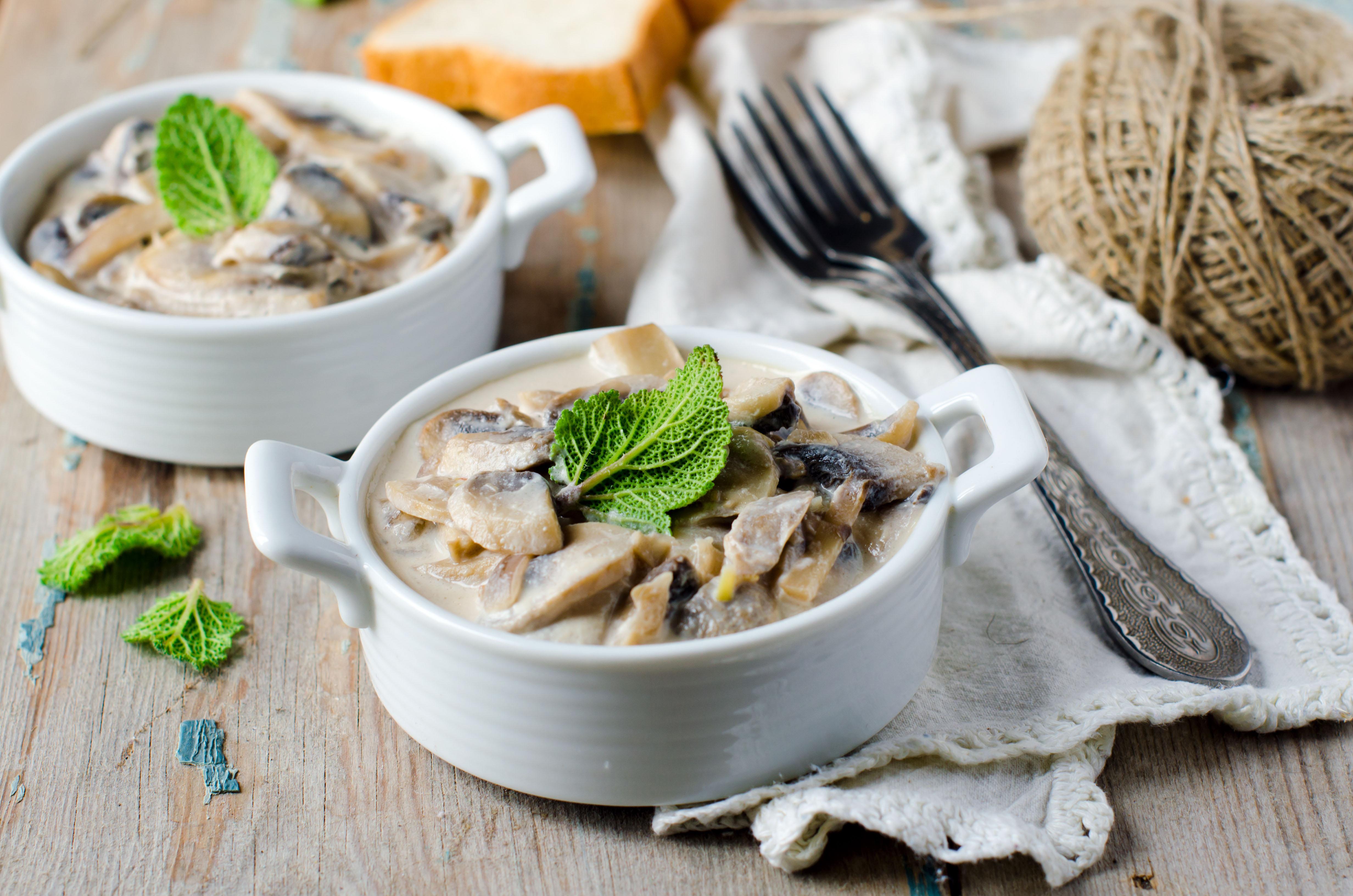 Friozinho chegando e a sopa é bem-vinda. Prepare Sopa de Cogumelos. É deliciosa! / GB Imagem