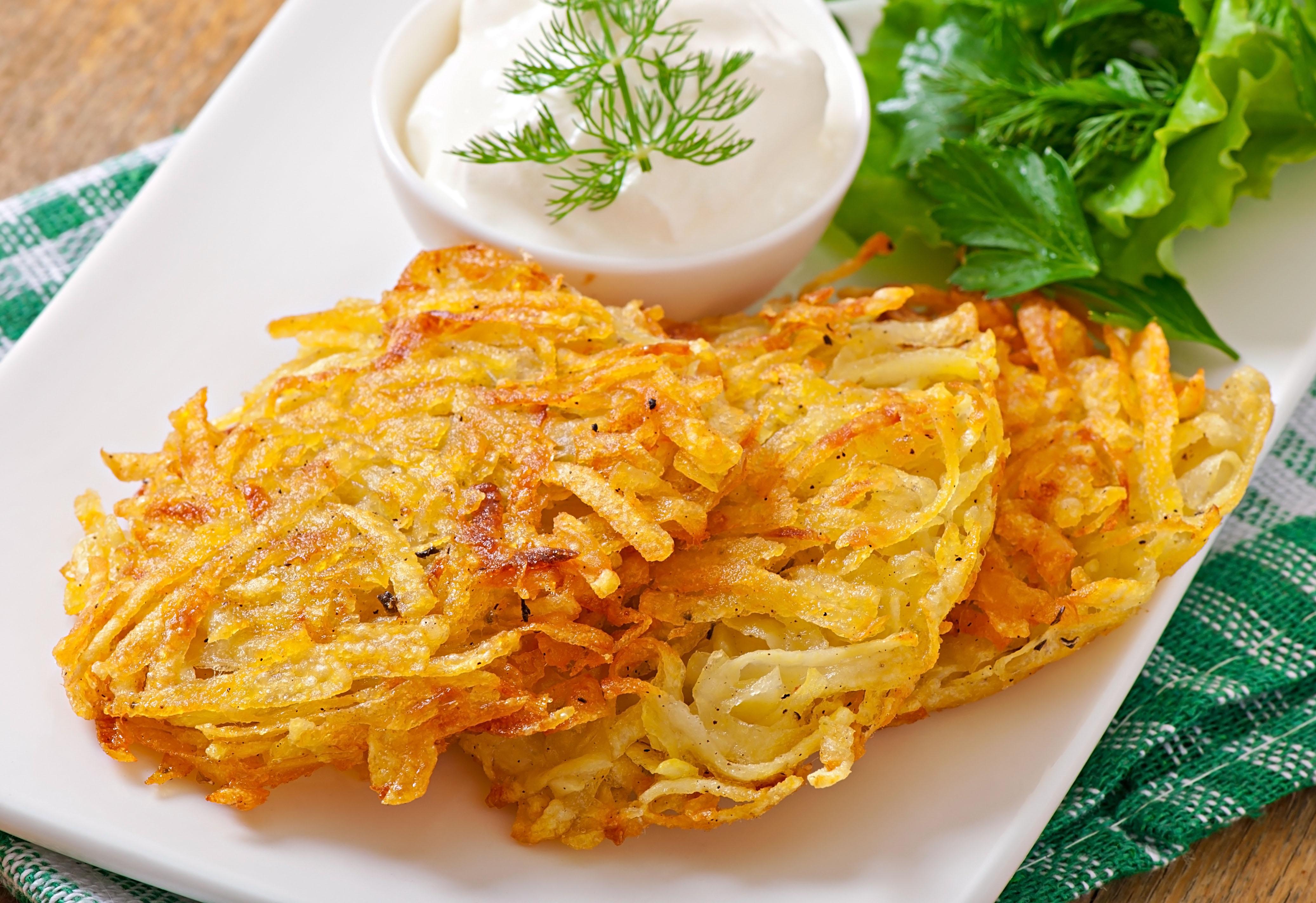 Panqueca de Batata é uma delícia baseada na receita de Bramboráky, um prato original da cozinha tcheca / GB Imagem