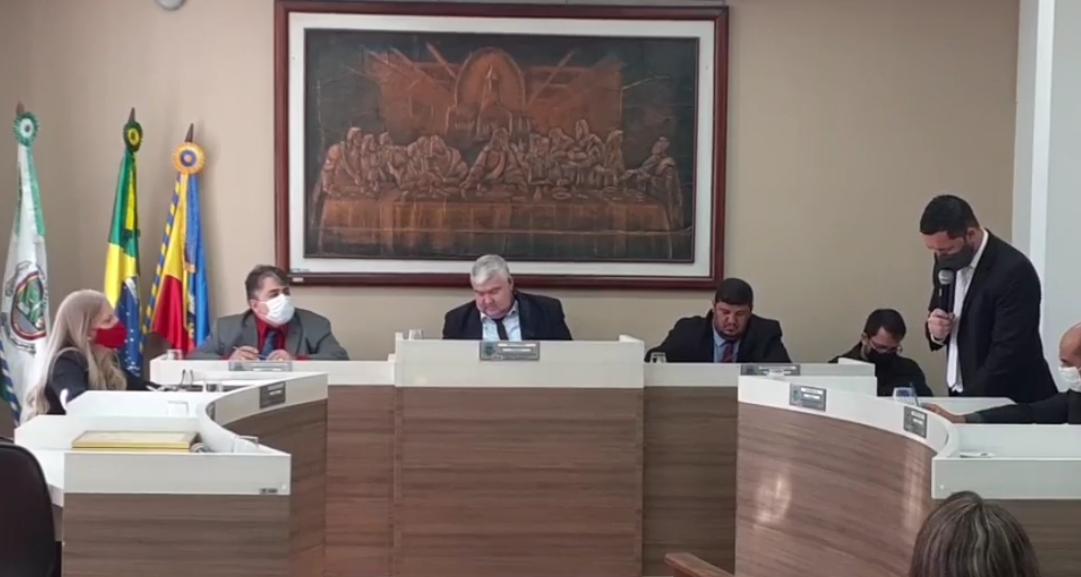 O que se comenta nos ambientes políticos de Casimiro de Abreu é quem manda no Poder Legislativo é o chefe do Executivo