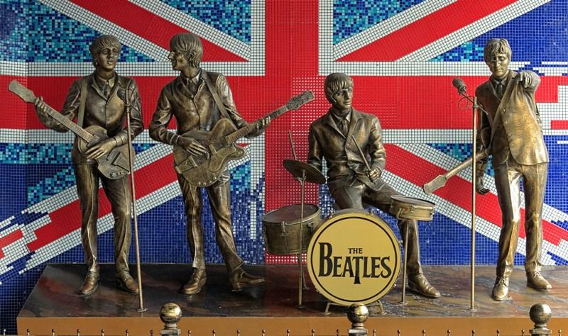 Os músicos George Harrison (1943-2001), John Lennon (1940-1980), Paul MacCartney (1942) e Ringo Starr (1940) formaram os Beatles, o mais importante grupo da história da música / GB Imagem