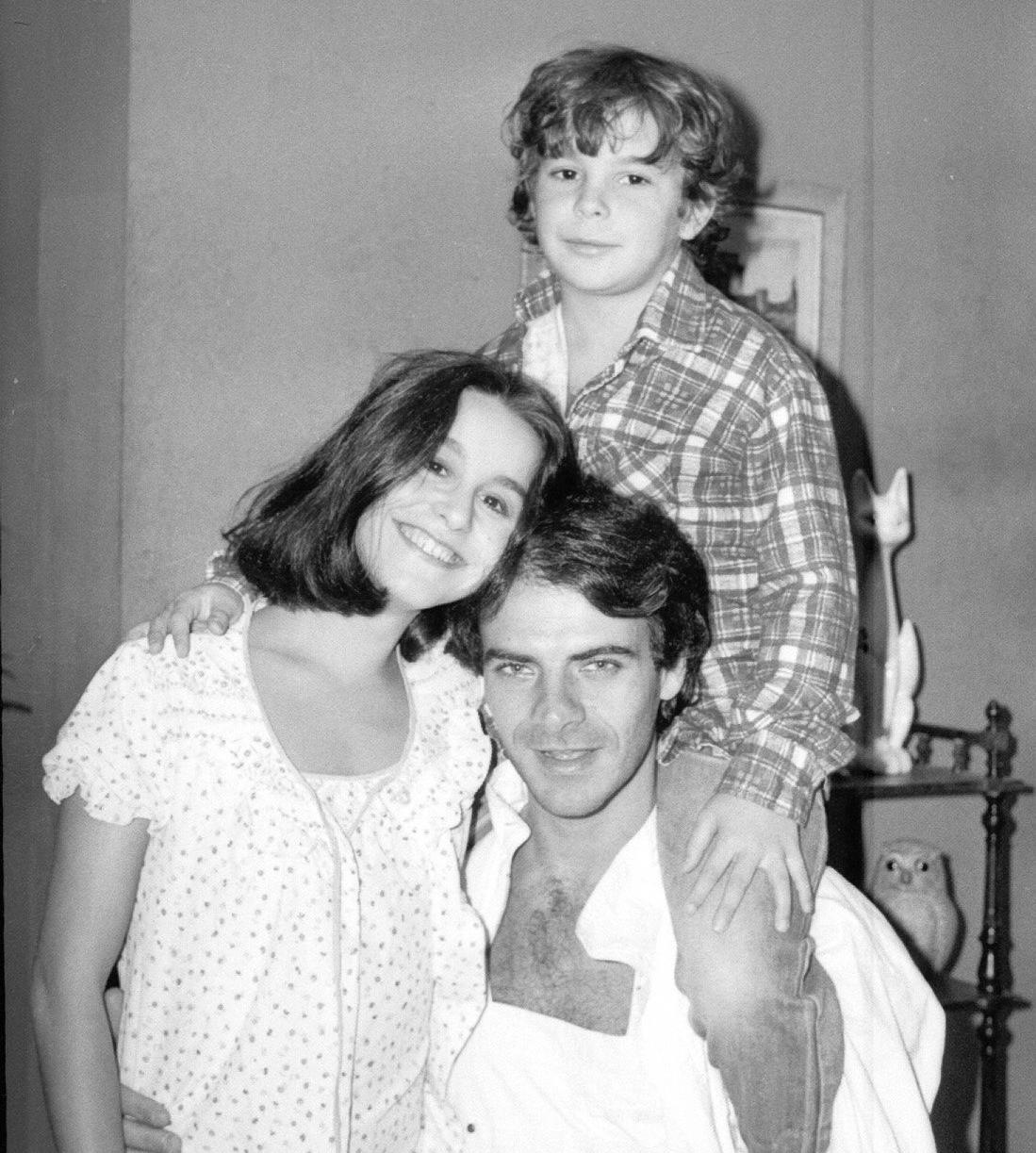 Lucélia Santos, Mario Gomes e Jonas Torres viveram os personagens Silvana Rocha, Luca e Zeca Pedra, respectivamente, na novela